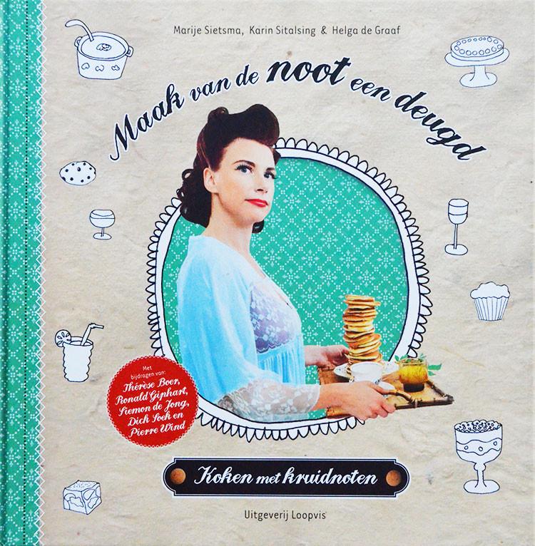 Maak van de noot een deugd (uit 2011) verandert het klassieke handje kruidnoten in de basis voor de lekkerste gerechten. Met recepten van bekende keukenhelden, zoals Ronald Giphart