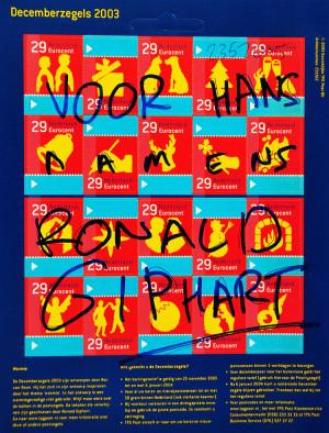Decemberzegels 2003 zijn voorzien van teksten van Ronald Giphart. Deze kunnen alleen gelezen worden als de warmte gevoelige inkt wordt opgewreven. Deze Decemberzegels zijn ontworpen door Ron van Roon.