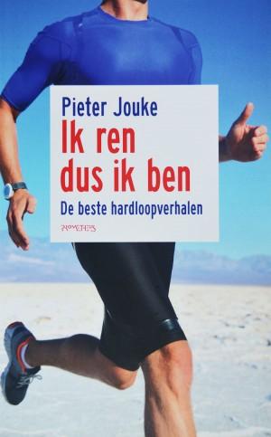 Cabaretier Pieter Jouke bundelde de beste hardloopverhalen van bekende en minder bekende renners.