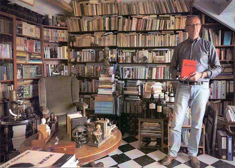 Robert Gaarlandt toont zijn boekenverzameling o.a. van Bordewijk