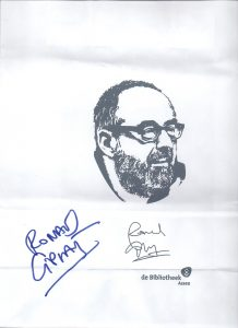 Draagtasje met het gezicht en handtekening van Ronald Giphart gemaakt door de Bibliotheek Assen