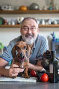 Ronald Giphart AD Algemeen Dagblad Giphart maakt hete hondjes uit Colombia